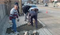 Iğdır'da Deforme Olan Parke Taşları Onarılıyor