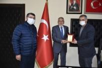 Başkan Bozkurt'a Teşekkür Plaketi