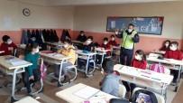 Jandarma Ekipleri Öğrencileri Bilgilendirdi