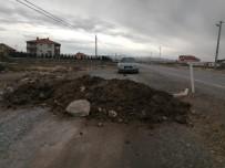 Kayseri'de 900 Nüfuslu Mahallenin Giriş Ve Çıkışları Korona Virüs Nedeni İle Kapatıldı