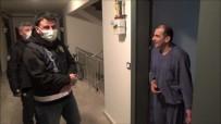 'Misafir Kabul Etmeyin' Uyarısı Yapan Polisi Çaya Davet Etti