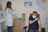 Vali Türker Öksüz'e İkinci Doz Aşısı Yapıldı