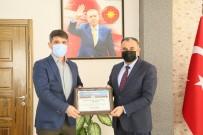 Başkan Cabbar'dan İl Tarım Ve Orman Müdürlüğü'ne Atanan Kürşat Kaliber'e Teşekkür Plaketi