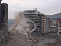 Rize'de Kentsel Dönüşüm Çalışmalarında Yıkımlar Sürüyor
