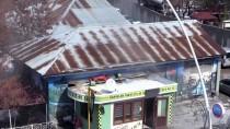 Ağrı'da Sağlık Ekipleri Köyden Sedyeyle Aldıkları Hastayı 2 Kilometre Uzakta Bekleyen Ambulansa Taşıdı