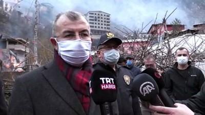 Artvin Valisi Doruk, Yusufeli'ndeki Köyde Çıkan Yangının Büyük Ölçüde Kontrol Altına Alındığını Söyledi Açıklaması