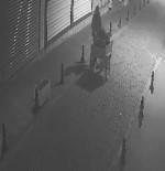 Batman'da Demir Dubaları Çalan Hırsızlar Güvenlik Kamerasına Yakalandı