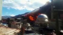 Artvin'de 60 Evin Küle Döndüğü Yangının İlk Görüntüleri Ortaya Çıktı