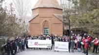 'Biz Anadolu'yuz' Projesi Kapsamında Öğrenciler Ahlat'ı Gezdi
