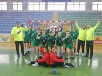 Kırşehir Belediye Kadın Hentbol Takımı Karadeniz'den Galibiyetle Döndü