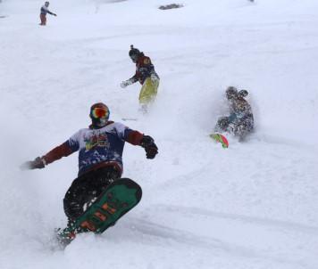 Snowboard Tutkunlarının Yeni Gözdesi Sahara Milli Parkı