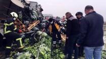 Amasya'da Tır Devrildi Açıklaması 2 Ölü