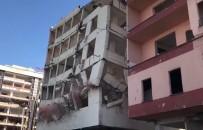 Rize'de Yıkımı Süren Binalar Kağıttan Yapılmış Kuleler Gibi Yıkılıyor