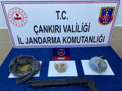 Jandarmadan Uyuşturucu Satıcılarına Suçüstü Operasyon