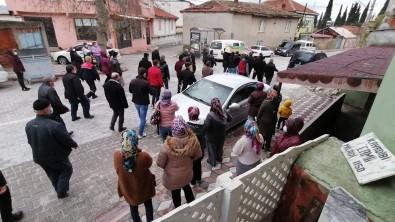 Polis Sevgilisi Tarafından Öldürülen Kadın Son Yolculuğuna Uğurlandı
