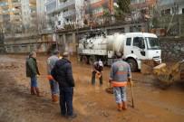Bingöl Belediyesi'nden Yoğun Sel Mesaisi