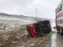 Karaman'da Devrilen Kamyonetin Sürücüsü Yara Almadan Kurtuldu