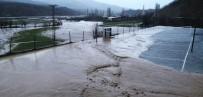 Mutki'de Şiddetli Rüzgar Ve Yağmur