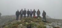 Soğuk Havaya Rağmen Kaymakamlar Ve Savcı Doğada Yemleme Çalışmasına Katıldı