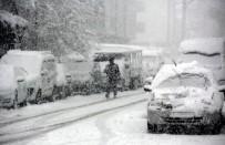 Bayburt'ta Kar Yağışı Etkili Oldu