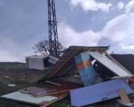 Bingöl'de Fırtına Arıcı Kulübelerine Zarar Verdi