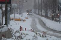 Kırşehir'de Kar Yağışı Etkili Oluyor