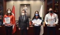 Rekortmen Kızlar Mutluluklarını Başkan Ataç'la Paylaştı