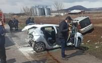 Amasya'da İki Araç Çarpıştı Açıklaması 8 Yaralı