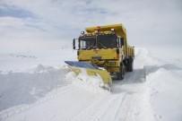 Erzincan'da Kar Ve Tipiden 102 Köy Yolu Ulaşıma Kapandı