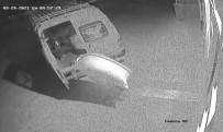 Fıstık Hırsızları Kameraya Yakalandı