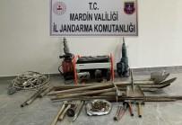 Mardin'de Sit Alanında Kaçak Kazı Yapan 5 Kişi Suçüstü Yakalandı
