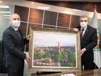 Ulaştırma Bakanı Karaismailoğlu,  Beyazgül'ü Makamında Ziyaret Etti