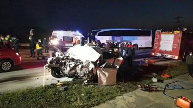 Akçakoca'da Yolcu Otobüsü İle Otomobil Çarpıştı Açıklaması 3 Ölü, 11 Yaralı...(2)