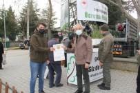 Vatandaşlara Ücretsiz 10 Bin Fidan Dağıtıldı