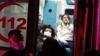 Hasta Taşıyan Ambulans Ve Otomobil Çarpıştı Açıklaması 7 Yaralı