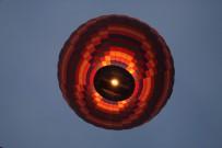 Kapadokya'da Gökyüzü Balonlarla Buluştu
