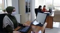 Kariyer Merkezi İle İş Hayatına Atılıyorlar