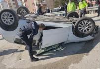 Kontrolden Çıkan Otomobil Refüje Çarpıp Ters Döndü Açıklaması 1 Yaralı