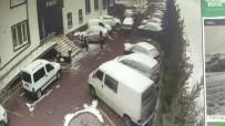 Baba Ve Kucağındaki Kızına Otomobilin Çarptığı Kaza Kameraya Yansıdı
