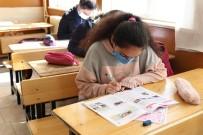 Bozova'da Öğrenciler Belediyenin Deneme Sınavına Girdi