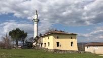 İzmir Depreminde Zarar Gören Camiinin Yıkımına Başlandı