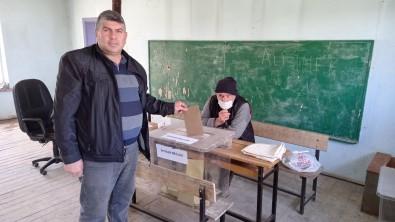 Mahalleli Aza Seçimi İçin Sandık Başına Gitti