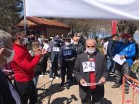 Oryantiring Yarışlarında Huzurevindeki Yaşlılar Gençlere Taş Çıkarttı