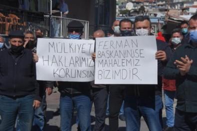 CHP'li belediyeye kentsel dönüşüm öfkesi! 3 katlı apartmana 2+1 daire düşmüyor! Pankartı kopan sokağa koştu...