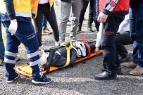 Takla Atan Otomobil Karşı Şeritteki Araçlara Çarptı Açıklaması 2 Yaralı