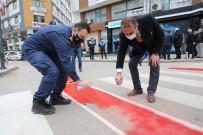 Fatsa'da Trafikte Yaya Önceliği İçin 'Kırmızı Şerit' Çekildi