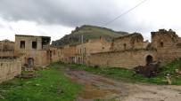 Mardin'de Farklı Dinlere Mensup Vatandaşlar Huzur İçinde Bir Arada Yaşıyor