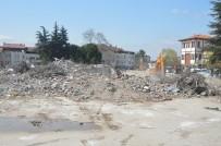 Niksar'da Yeni Hükümet Konağı İçin Eski Otogar Binası Yıkıldı