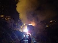 Safranbolu'da İki Katlı Ahşap Evde Çıkan Yangın Tarihi Evlere Sıçramadan Söndürüldü