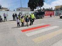 Suriye Sınırında 'Yaya Önceliği Kırmızı Çizgimiz' Etkinliği